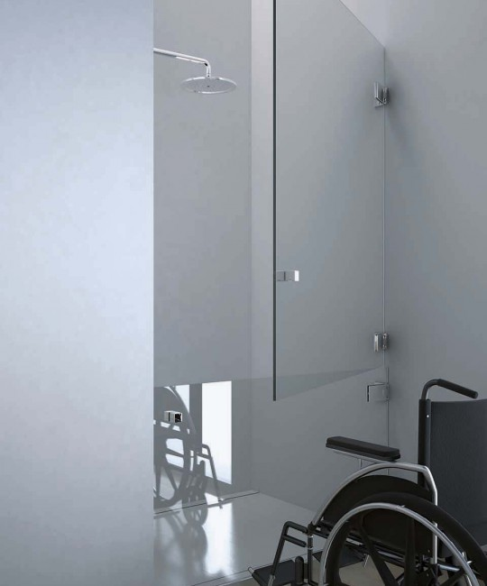 Barrierefreie Dusche mit geteilter Tür