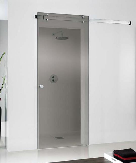 Dusch-Nische mit maßgeschneiderte Schiebetür