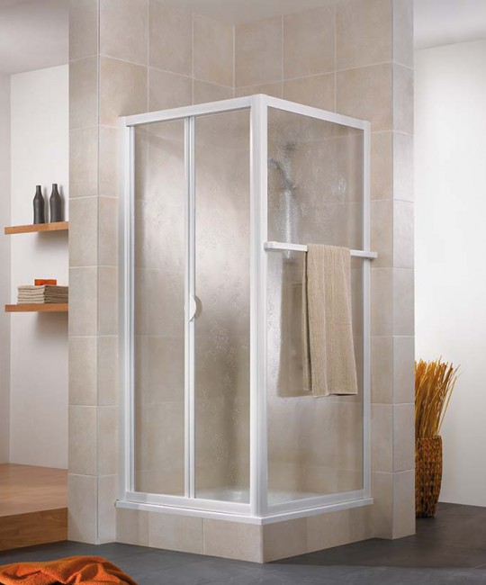 Eck-Dusche mit Falttür und Seitenwand