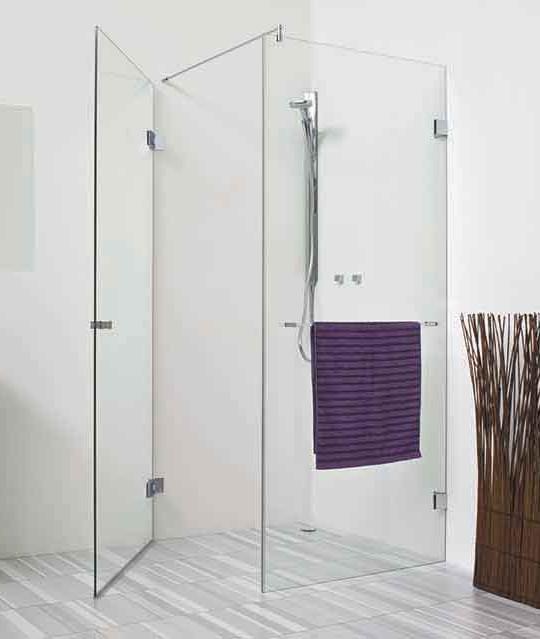 Eck-Dusche mit einer Tür